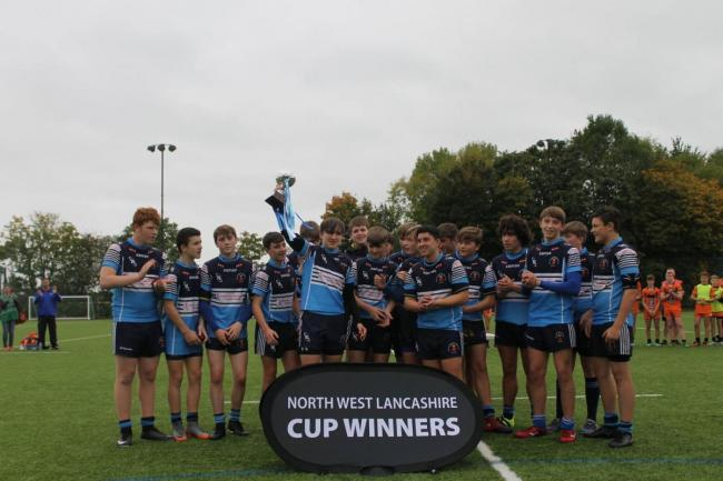 An under 14s Blackbrook Royals side with the NW Lancashire Cup in 2017