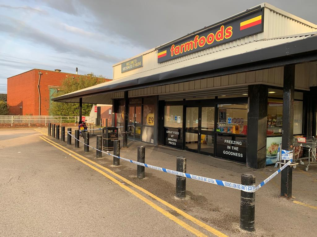 Security guard at Farmfoods taken to hospital after being stabbed in stomach