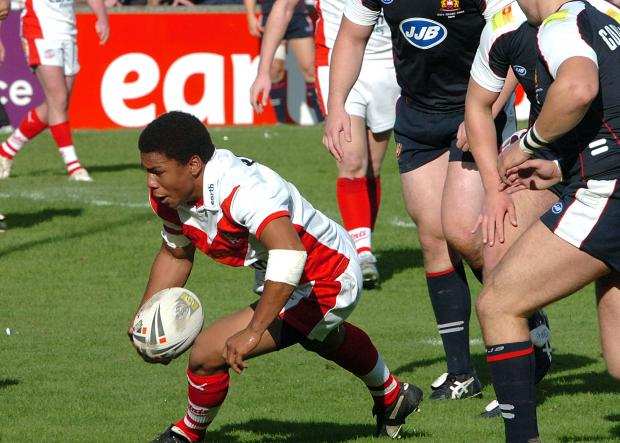 St Helens Star: Kyle Eastmond touches down
