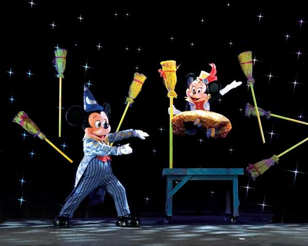 Mickey's Magic Show comes to Liverpool's Echo Arena