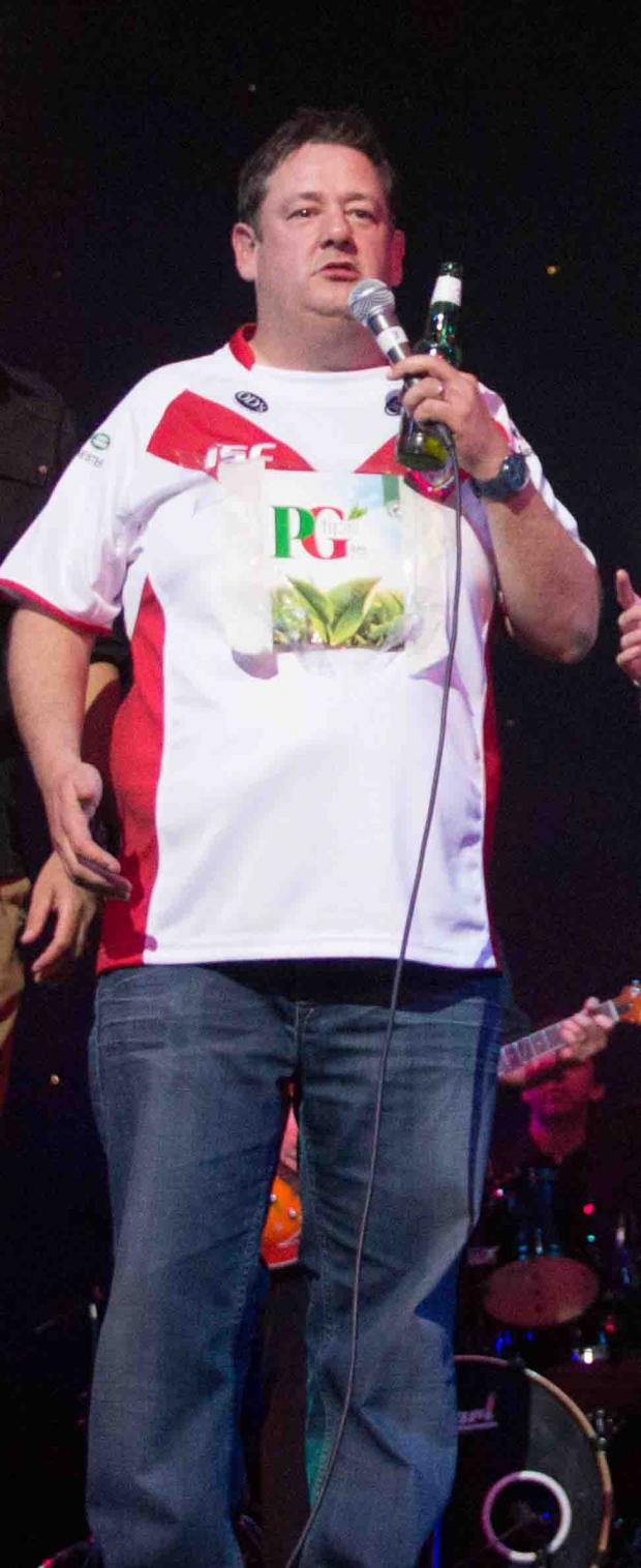PG Tips drinker Johnny Vegas stirs up tea rivalry with Saints sponsors Typhoo (Picture by Burnt Image Photography)