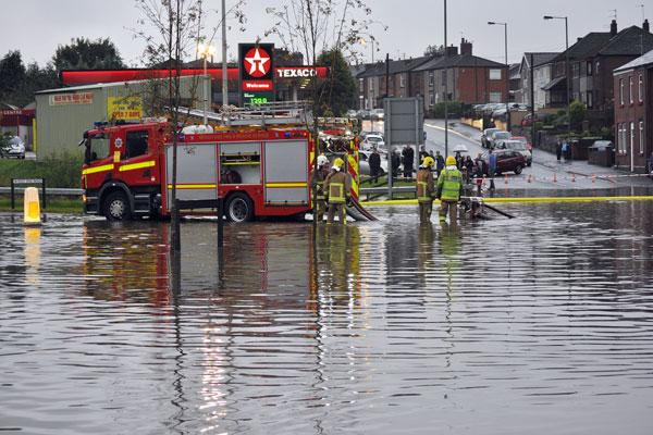 Flood alert: Fire Service tackles flooding in Blackbrook