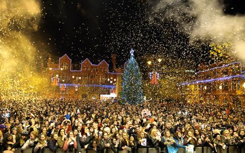 CHRISTMAS CRACKER: St Helens Council says 6,000 were at Victoria Square for the switch on.