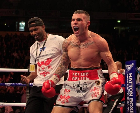 Martin Murray takes plaudits from boxing legend Roberto Duran