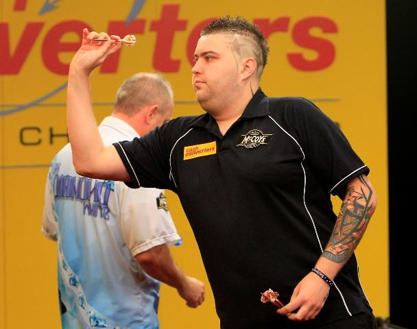 Michael Smith takes on Ray van Barneveld on Sunday