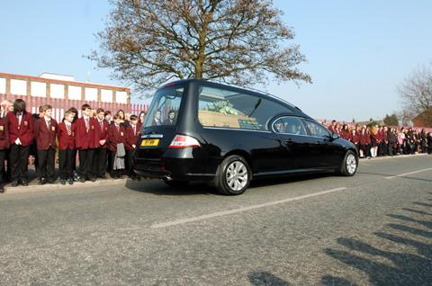 PICTURES: Pupils' silent guard of honour for headteacher