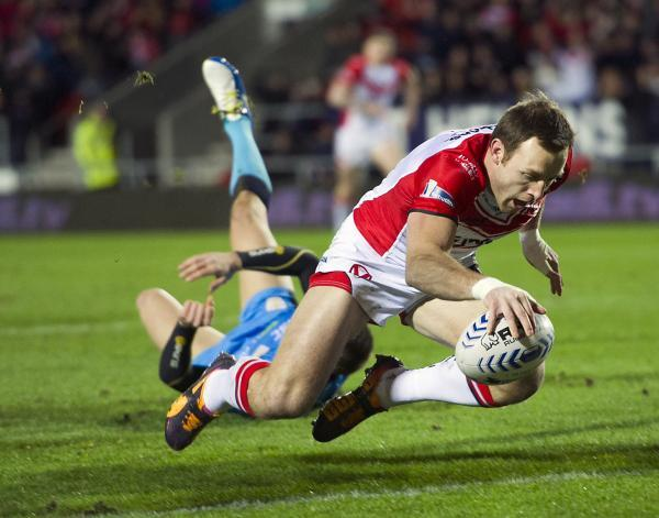 St Helens Star: James Roby touches down