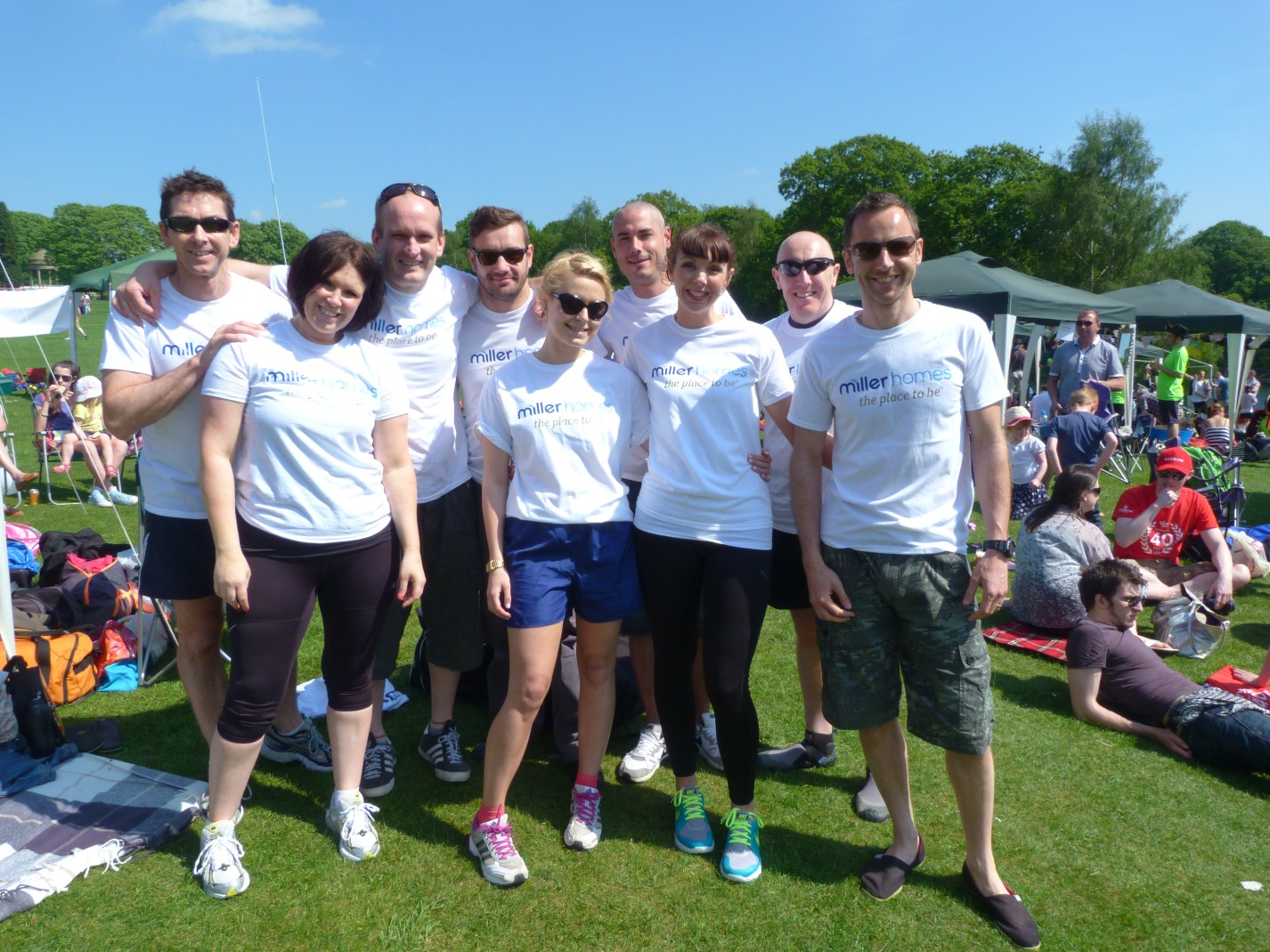 The Miller Homes dragon boat team raised £500 for the children's hospice.