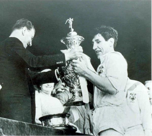 Vince Karalius collecting the Challenge Cup at Wembley in 1961