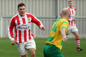 Town pipped by league leaders