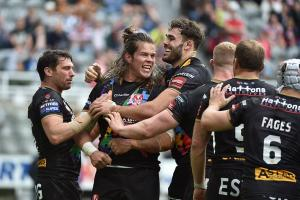 Saints thrash Hull FC at Magic