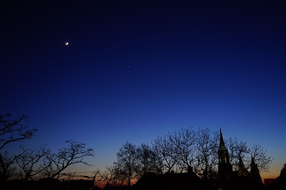 How to see Venus and Jupiter this January