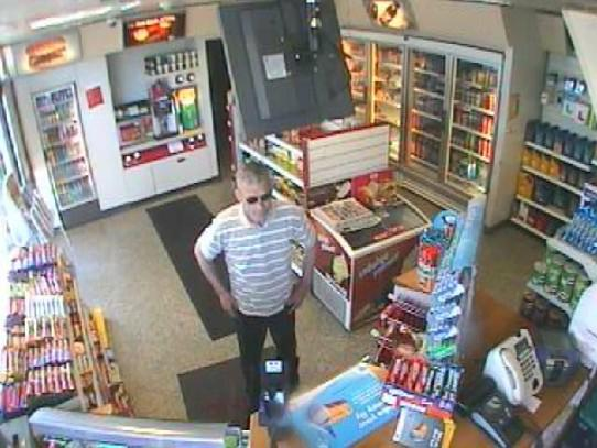 Do you recognise this man? Contact Merseyside Police on 0151 777 1565 or Crimestoppers anonymously on 0800 555 111.